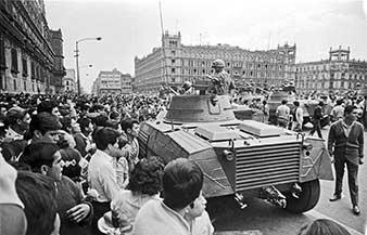 Ejército en el Zócalo de la Ciudad de México, 1968